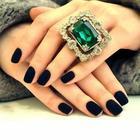Черный флок на ногтях