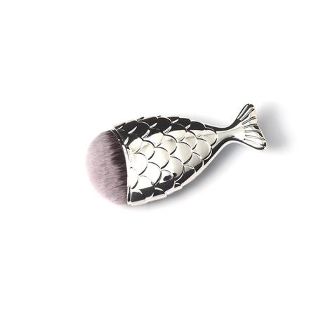 TNL, Кисть-рыбка серебро, MКисти для макияжа<br>Кисть для макияжа в оригинальном дизайне. Подходит для нанесения тональных средств, пудры и румян.<br>