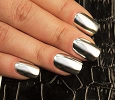 Дизайн металлик ногти
