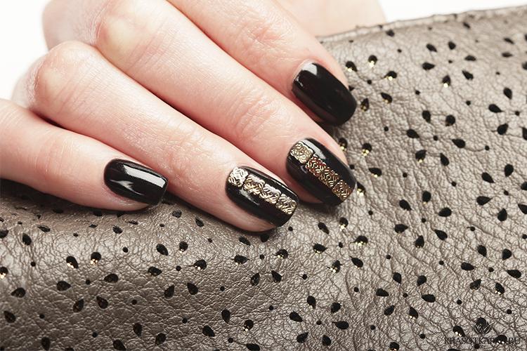 Дизайн ногтей с металлическими апплицациями