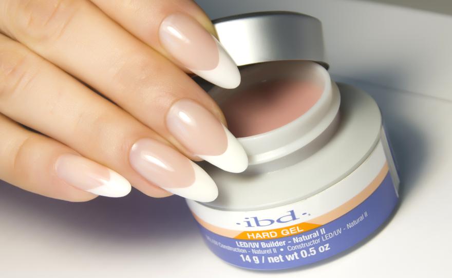 5 место. Материалы для наращивания ногтей IBD